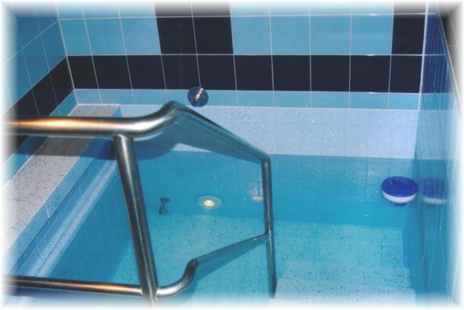 Schwimmbad Sanierung Fliesen